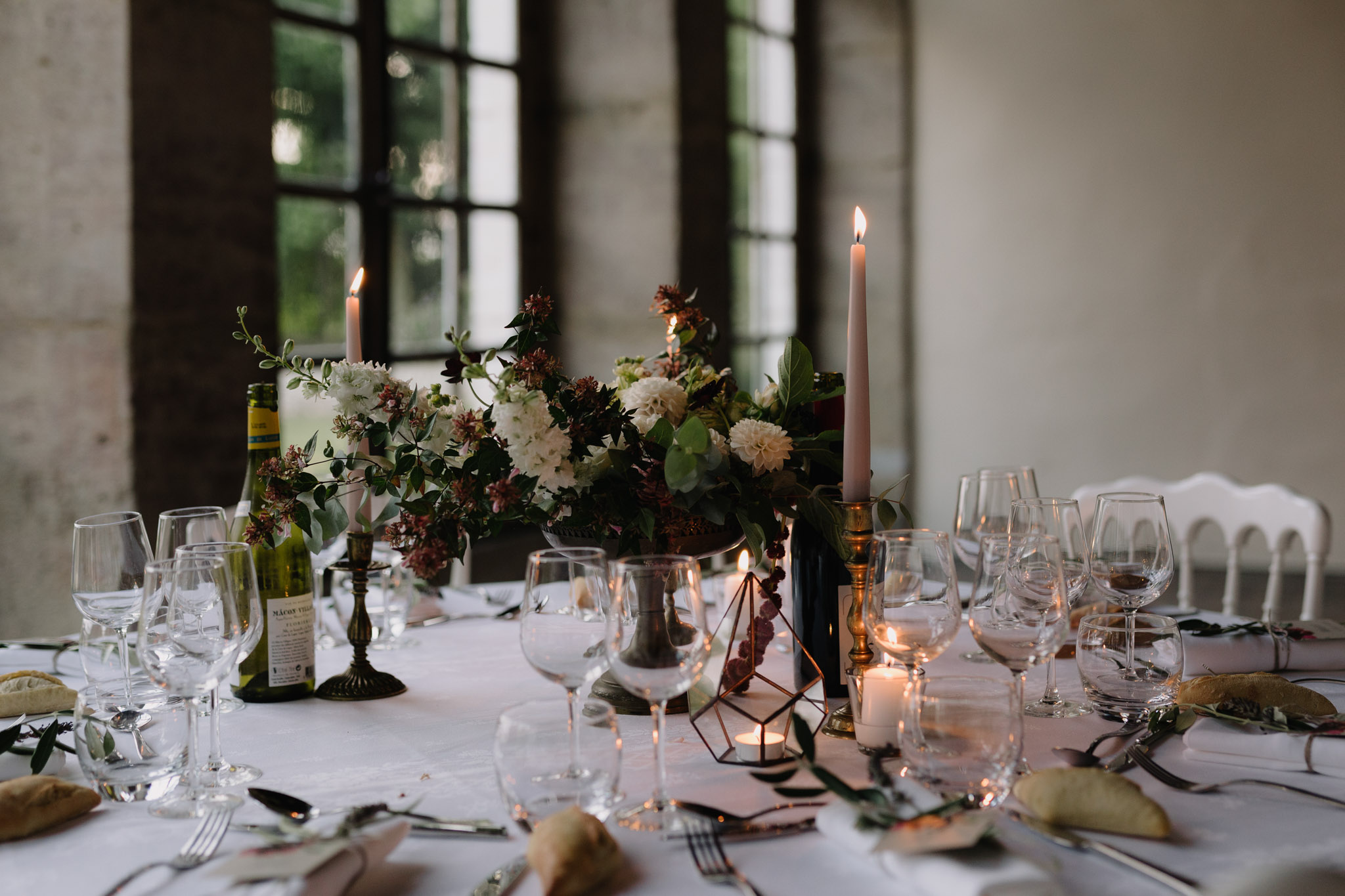 Lyon Wedding photographer Chateau de Montplaisant wedding reception decor Menthe Sauvage Florist